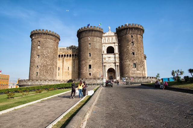 Castel nuovo/Maschio Angioino-Napoli