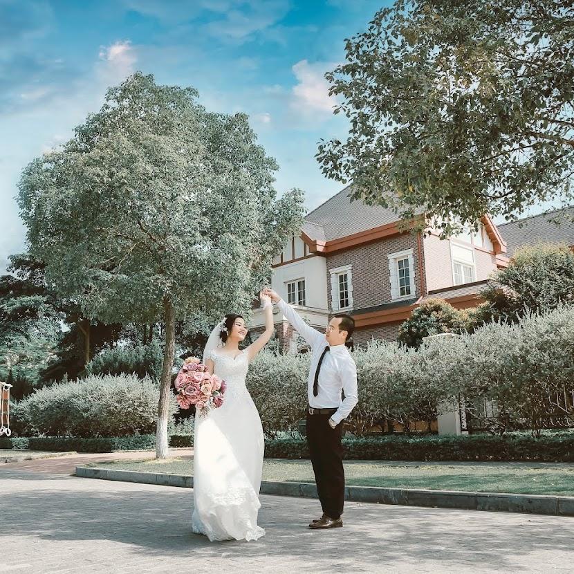 Ngắm bộ ảnh cưới đẹp lãng mạng nhất mọi thời đại tại biệt thự hoa hồng