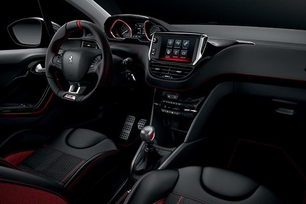 Interior Peugeot 208 GTi