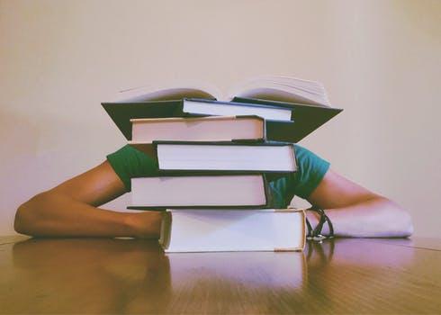 Kendala Dalam Penyusunan Skripsi Dan Solusinya