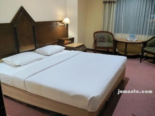 kamar hotel rauda