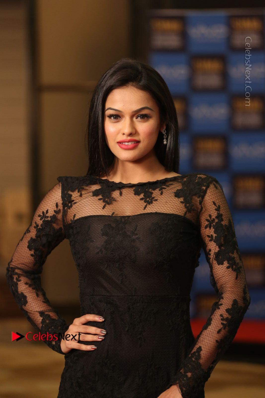 Soniya Stills in Beautiful Black Long Dress at SIIMA Short Film Awards 2017