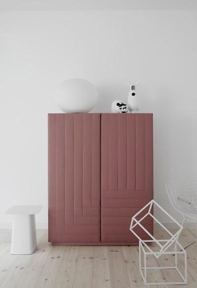 mueble de diseño color rosa empolvado