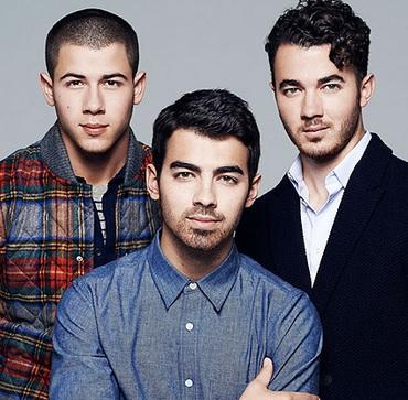 Foto de Jonas Brothers en sesión fotográfica