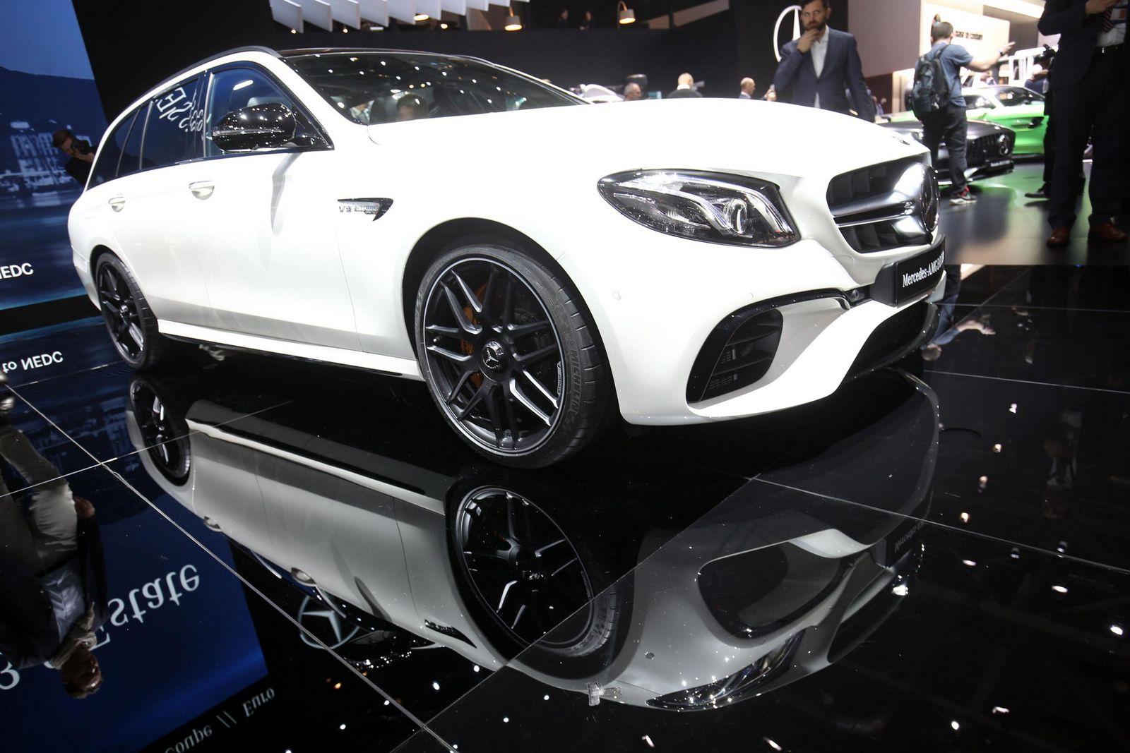 https://2.bp.blogspot.com/-E58ukfyfKt8/WL9hoxlbS9I/AAAAAAAAk0Q/qeV8NVVwecYLTNCjLF-Bk3Hc_bfG04UNQCLcB/s1600/Mercedes-AMG%2BE63%2BEstate%2B-2.jpg
