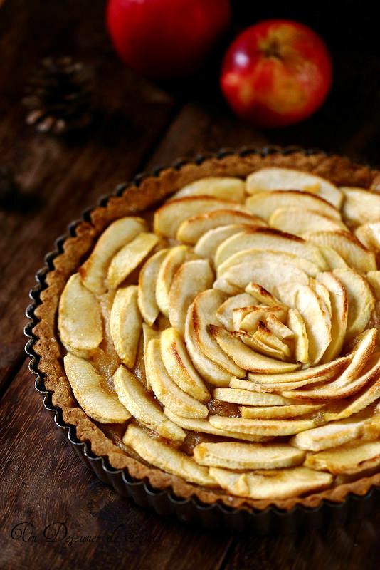 Vingt recettes de gâteaux et tartes aux pommes. Tarte très pomme