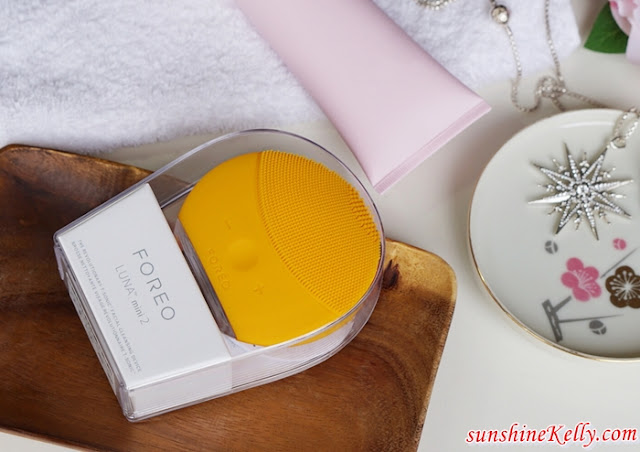 foreo, luna mini 2 Review, 1-Minute to a Healthy Glowing Skin, skincare tips, skin devices, skin devices review, face cleansing brush, skin cleansing brush, cleansing brush, face cleanser brush, facial cleanser brush, deep cleansing brush, silicone face brush, silicone facial brush, silicone cleansing brush, sonic facial brush, sonic face brush, sonic cleansing brush, electric facial brush, electric face brush, electric cleansing brush, facial exfoliating brush, face exfoliation brush, facial scrubbing brush, beauty