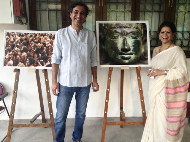 Kumar and Mehendi Mangwani at Indiaart Gallery, Pune (www.indiaart.com)
