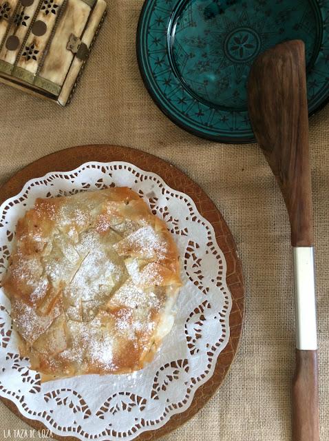 pastela-moruna-rellena-de-pollo-y-frutos