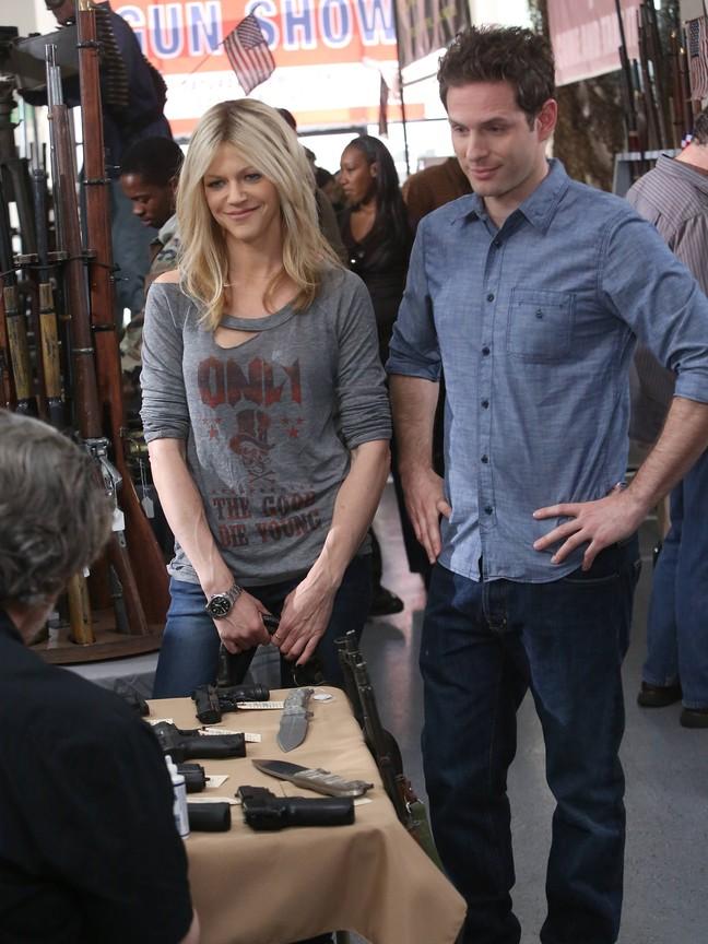 Its Always Sunny In Philadelphia - Season 9 Episode 02: Gun Fever Too - Still Hot