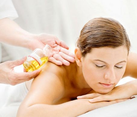 Massage tinh dầu đúng cách mới đem lại hiệu quả cao