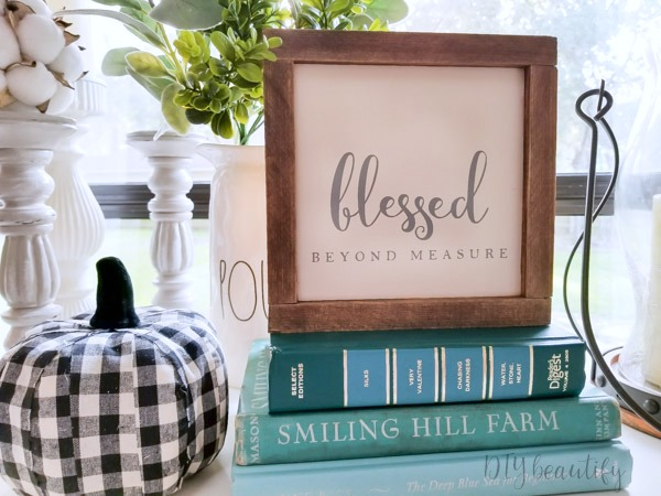 farmhouse sign giveaway