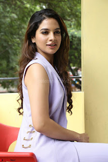 Tanya Hope in Crop top and Trousers Beautiful Pics at her Interview 13 7 2017 ~  Exclusive Celebrities Galleries 125.JPG