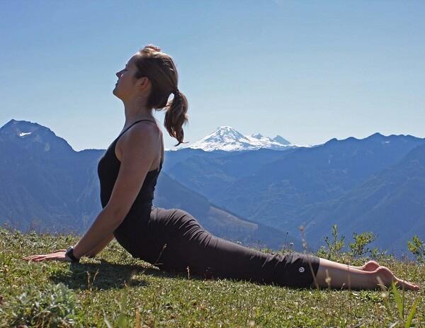 Gerakan Yoga Bhujangasana Anekaragamsehat