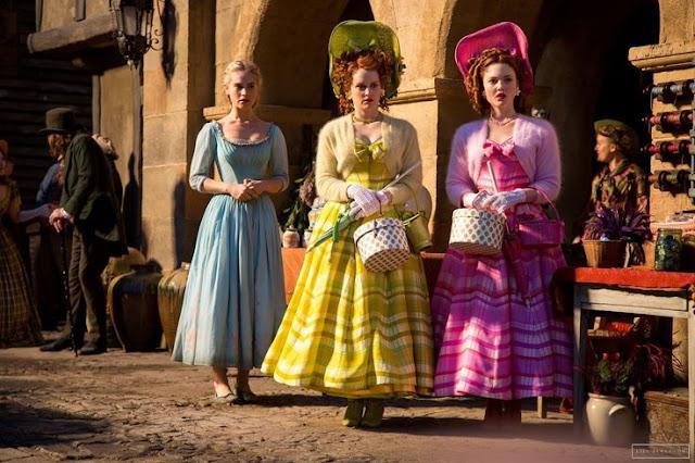 Indicados ao Oscar 2016: Melhor figurino, cinderella, na foto Ella e as irmãs uma do lado da outra