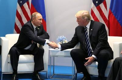 Демократы и республиканец Маккейн потребовали от Трампа отменить встречу с Путиным