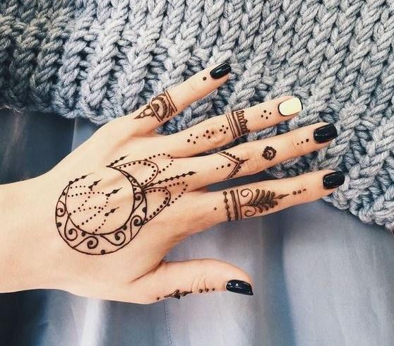 Gambar Henna Tangan Cantik Terbaru Hari Ini
