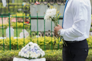 Funeral planning tips