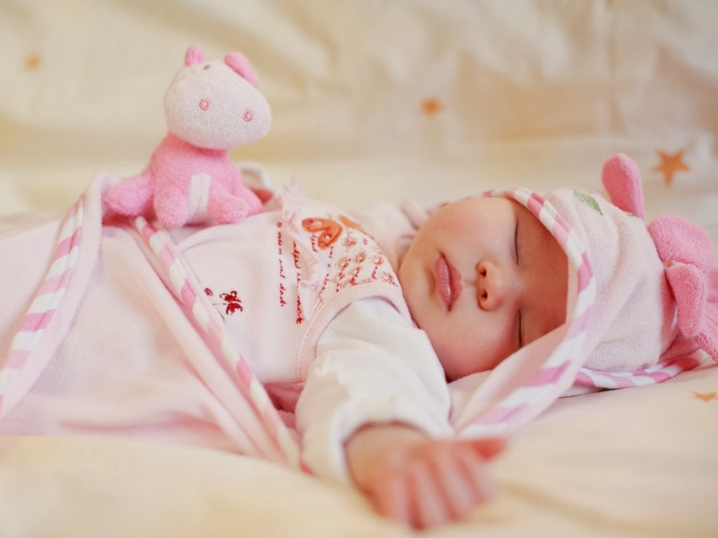 New Born Baby Wallpapers