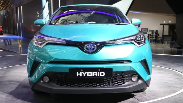 Review Crossover ALL NEW Toyota C-HR Untuk Pebisnis Muda