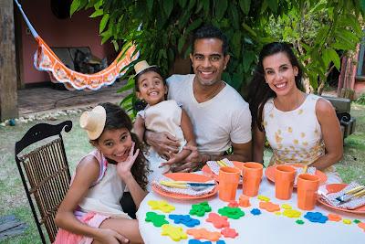 Final de semana dos dias 21 e 22 de janeiro terá seis episódios de programetes estrelados por Jair de Oliveira, Tania Khalill e suas filhas - Divulgação