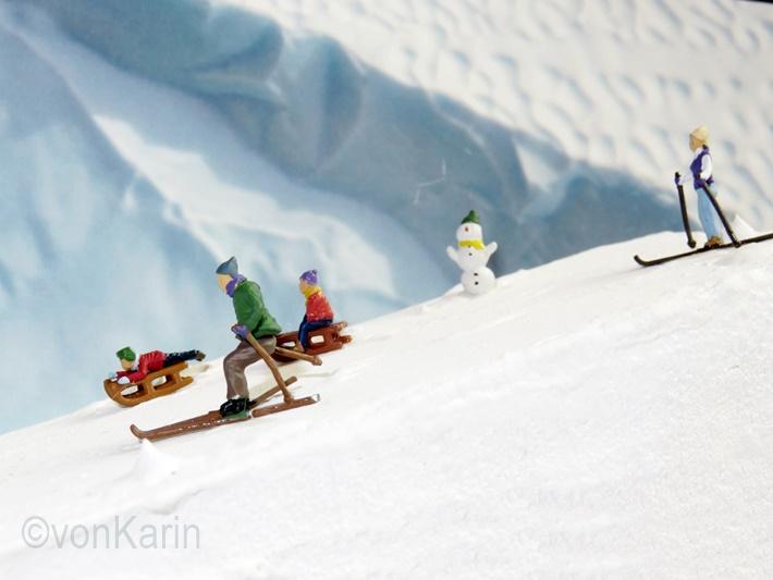 Skifahrer Miniaturwelt auf Tuerkeil