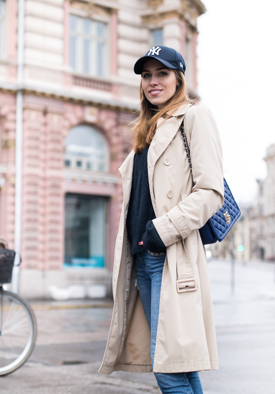 athleisure trend outfit street style