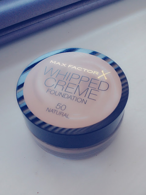 Max Factor Whipped Creme in Natural