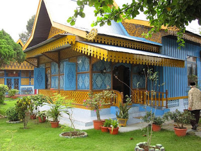 Rumah Melayu Atap Limas Potong Kepulauan Riau