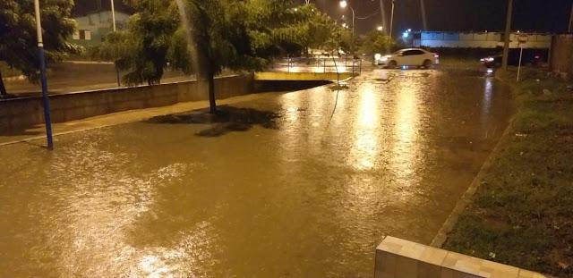 Muita Chuva: Cai toró sobre Patos e região na noite deste sábado (30). Veja as imagens
