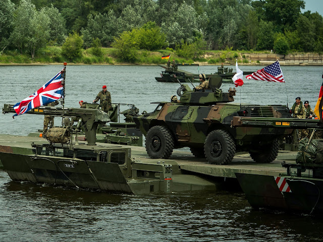 15 νατοϊκά κράτη μη όμορα με τη Ρωσία μετακινούν στρατό στα σύνορά της. Γιατί;