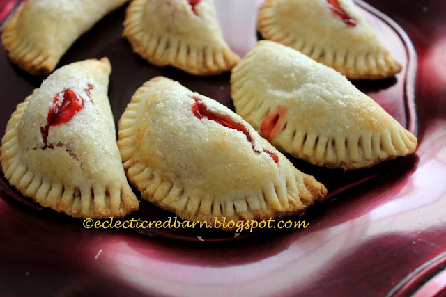 Eclectic Red Barn: Easy Cherry Individual Pies