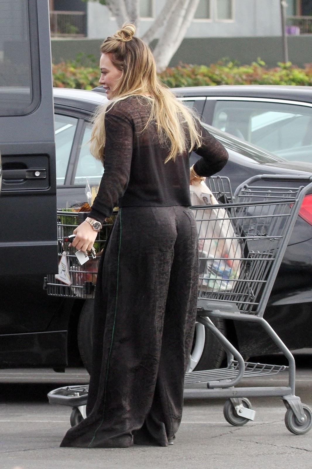 Hilary Duff Christmas Shopping 2017