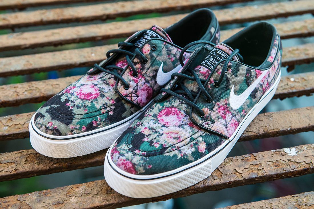 Nike Janoski Girls Flowers  ffd7a0797