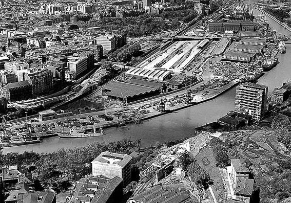 Panoramica antigua de Bilbao antes del Guggenheim