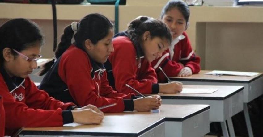 Congresistas de Nuevo Perú exigen al MINEDU archivar textos escolares con omisiones históricas