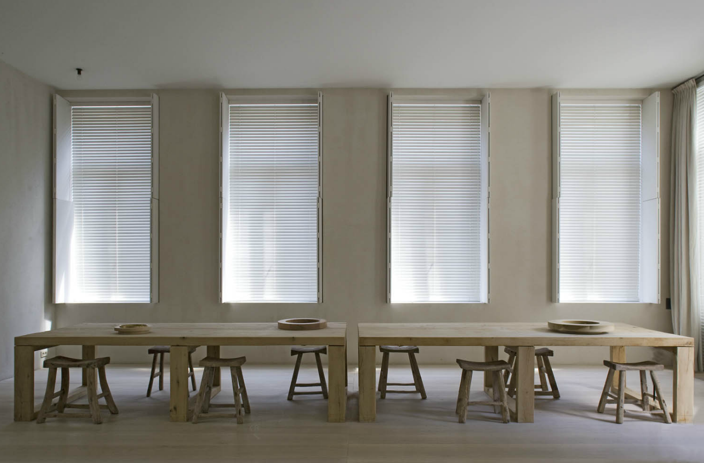 alessandro pasinelli. Black Bedroom Furniture Sets. Home Design Ideas