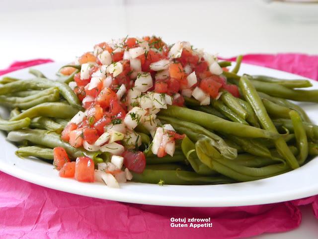 Fasolka szparagowa z pomidorową salsą - Czytaj więcej »