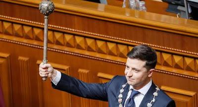 Зеленский официально стал президентом и объявил о роспуске Верховной Рады