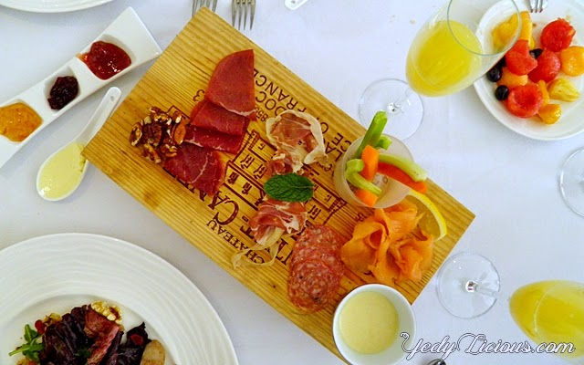 Brunch at Caviar Restaurant and Champagne Room