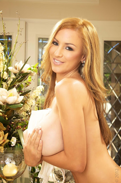 Jordan-Carver-Peitho-half-nude-hot-and-sexy-hd-photoshoot-image-17