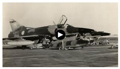 http://www.infobae.com/sociedad/2017/05/01/el-dramatico-combate-aereo-y-la-caida-de-un-piloto-argentino-que-se-eyecto-en-malvinas-al-borde-de-la-muerte/
