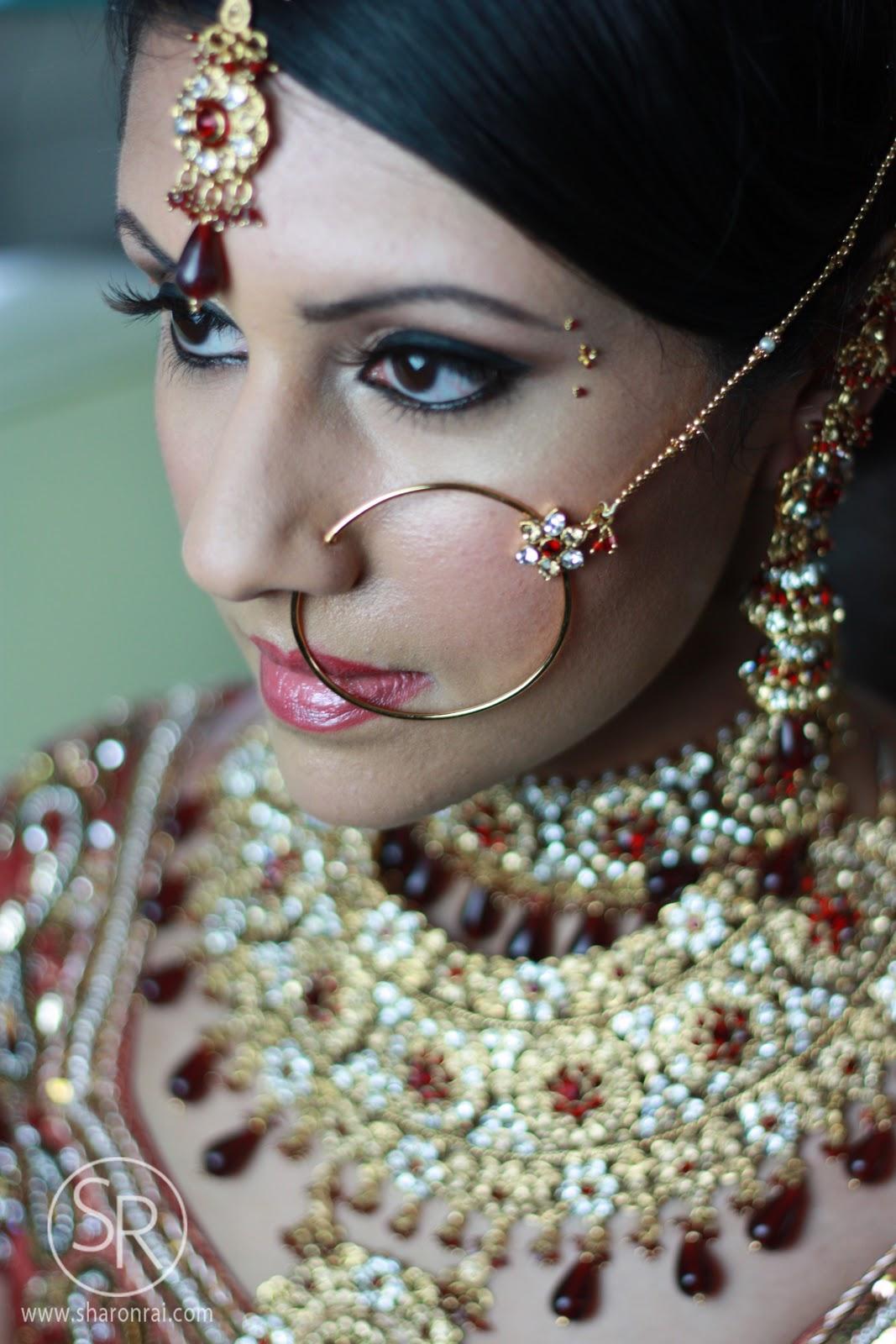 Hollywood Trendy: Indian Bridal Jewellery 2012