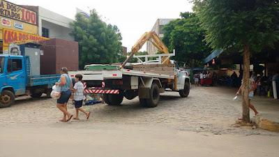 Camelôs são retirados do Centro de Canindé
