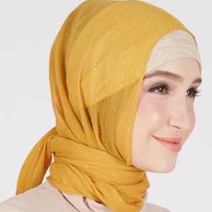 Kerudung Hijab Pashmina Shiny Orange Qadira