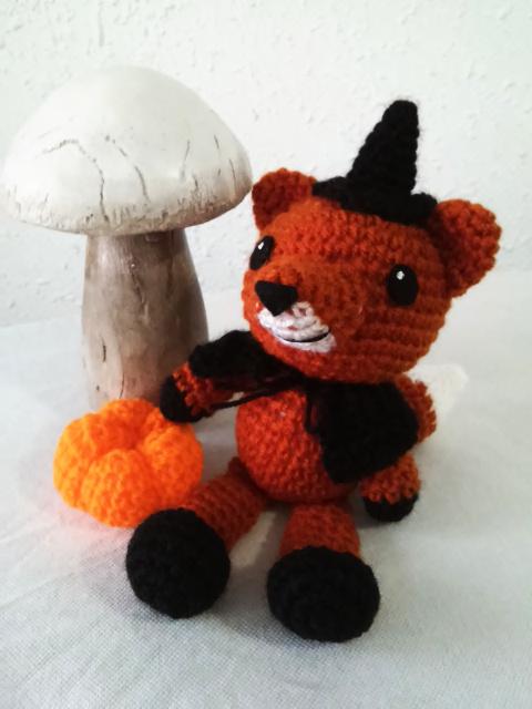 Amigurumi Crochet Fox Pattern by Little Bear Crochets | 640x480