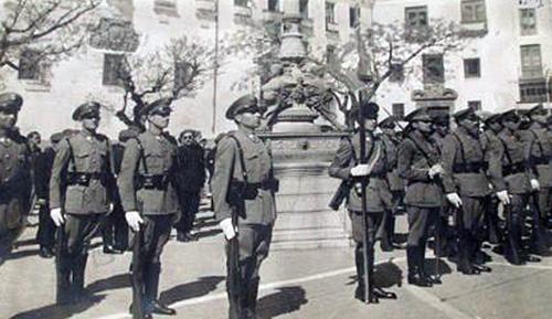 Una historia de la polic a nacional la primera - Jefatura de trafico malaga ...
