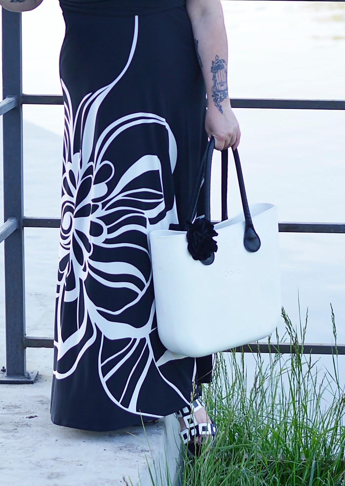 Black and white style, o bag, white o bag