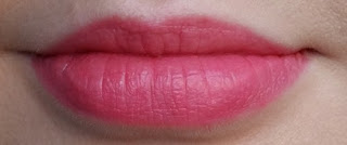 Jelly Pong Pong Paradise Pigment in Cake Pop lip swatch