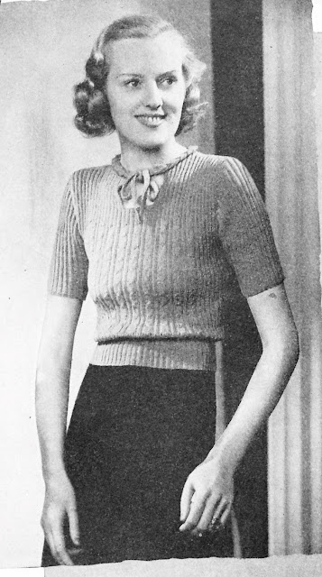 The Vintage Pattern Files - Free 1930's Knitting Pattern - A Dear Little Jumper
